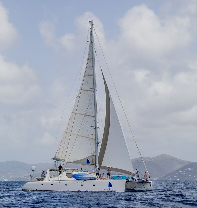 Secret Oasis 58′ cat 10 nights for the price of 7